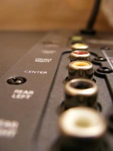 connection audio boitier électronique