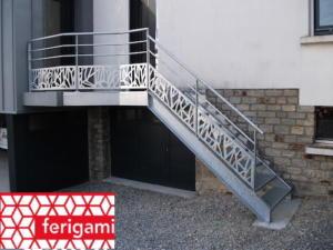 tole decoration perforée escalier FERIGAMI